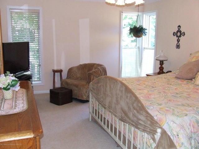 1083 Brookside Dr - Master bedroom - 11