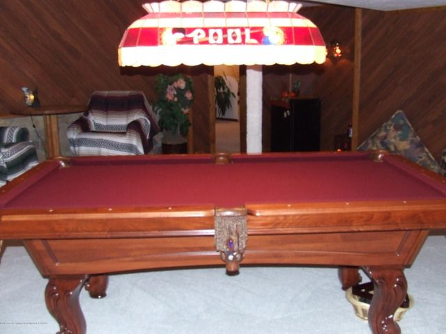1083 Brookside Dr - Family/game room - 18