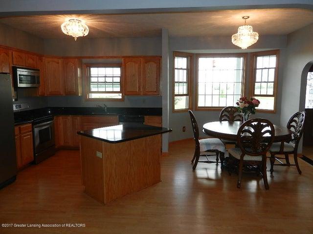 8800 W Parker Rd - kitchen/dining - 6