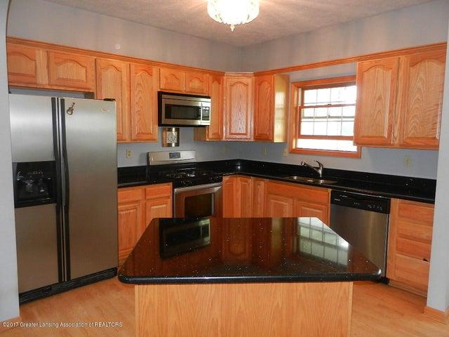 8800 W Parker Rd - kitchen - 4
