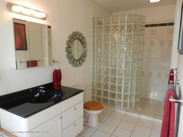 8800 W Parker Rd - master bath - 12