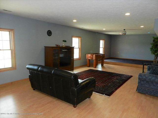 8800 W Parker Rd - family room - 19