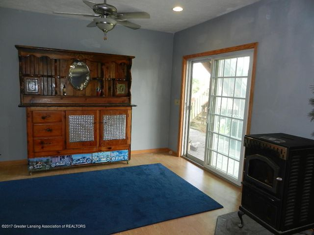 8800 W Parker Rd - walkout family room - 20