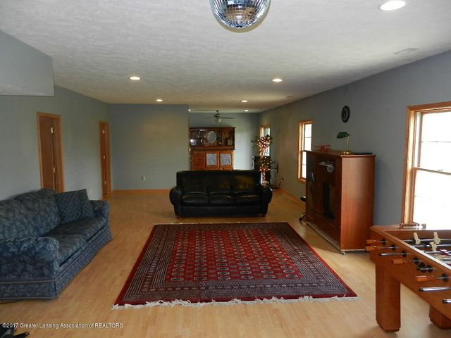 8800 W Parker Rd - family room - 21