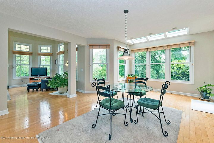 1817 Elk Ln - Breakfast nook - 6