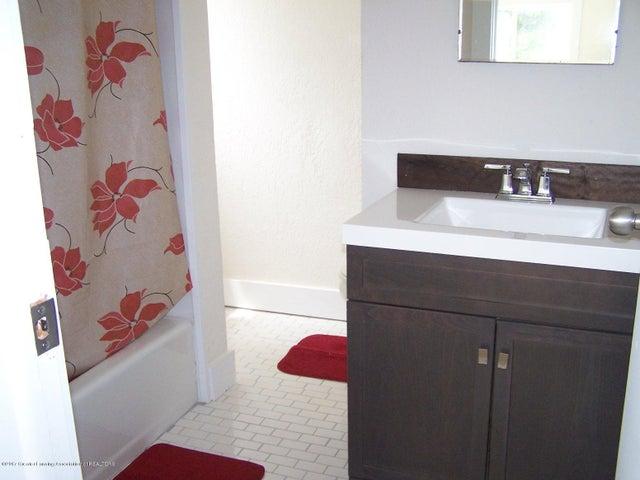 919 Hall St - Bathroom - 21