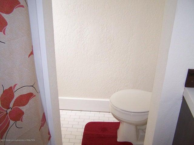 919 Hall St - Bathroom - 22