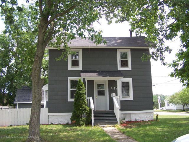 919 Hall St - Front - 1
