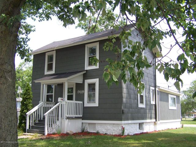 919 Hall St - Front 2 - 2