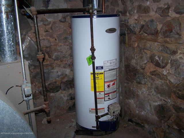919 Hall St - Water Heater - 30