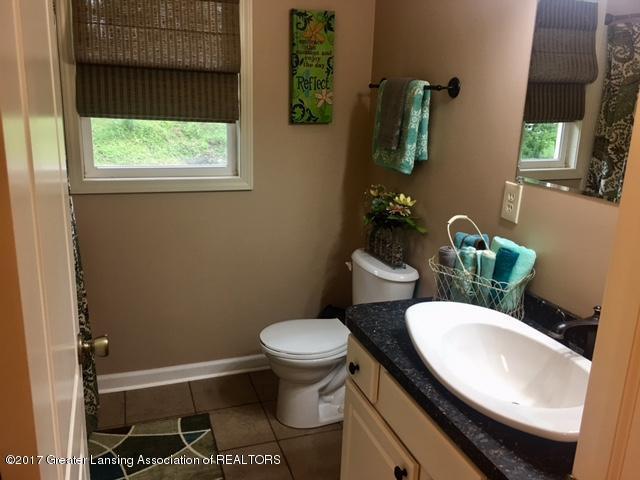 11007 Babcock Rd - Bathroom 1 - 15