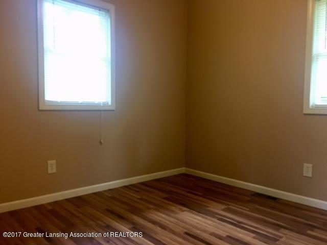 11007 Babcock Rd - Bedroom 2 - 11