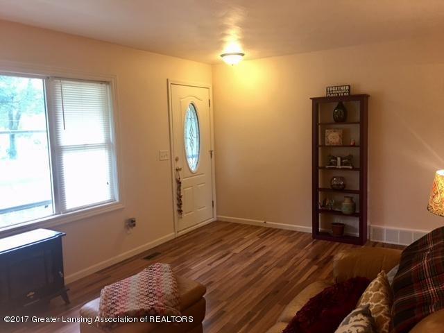 11007 Babcock Rd - Livingroom - 7