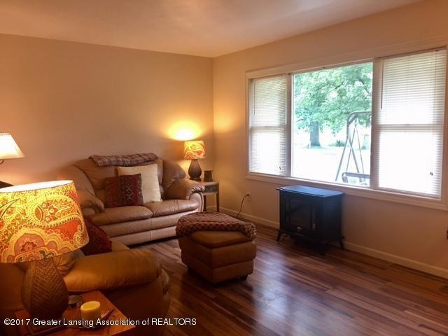 11007 Babcock Rd - Livingroom - 8