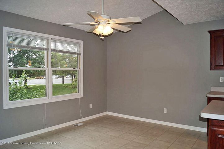 7601 Sugar Maple Cir 6 - Dining Area - 8
