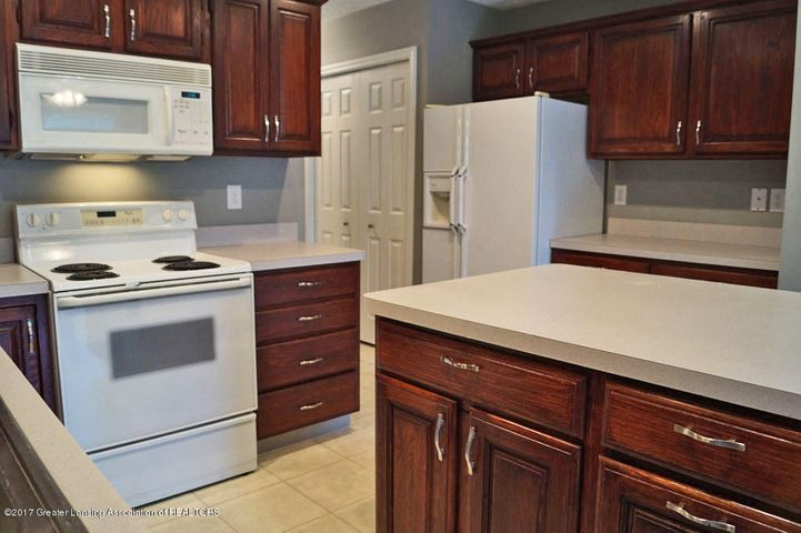 7601 Sugar Maple Cir 6 - Kitchen - 13