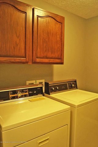 7601 Sugar Maple Cir 6 - Laundry Room - 16