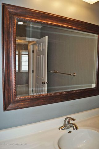 7601 Sugar Maple Cir 6 - Bath Room - 19