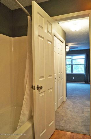7601 Sugar Maple Cir 6 - Bath ROom - 20