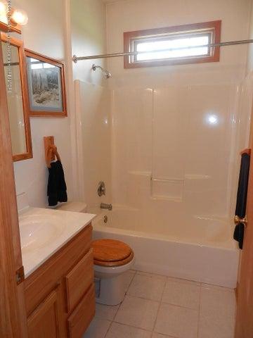 8800 W Parker Rd - guest bath - 16