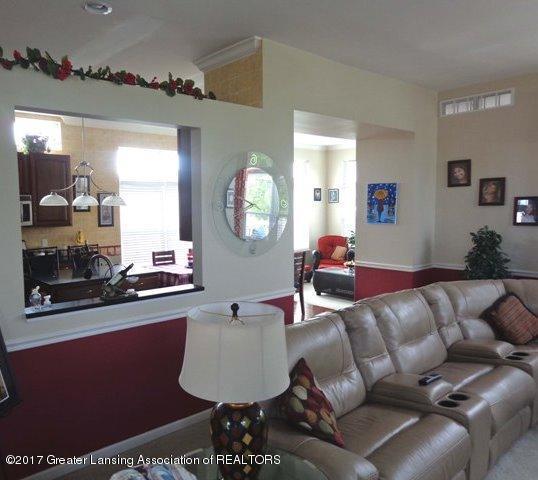 6783 Castleton Dr 38 - Living Room - 5