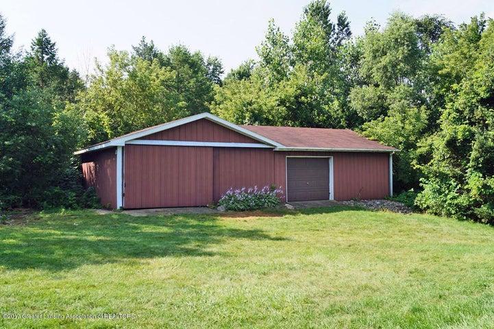 915 Hagadorn Rd - Pole Barn - 31