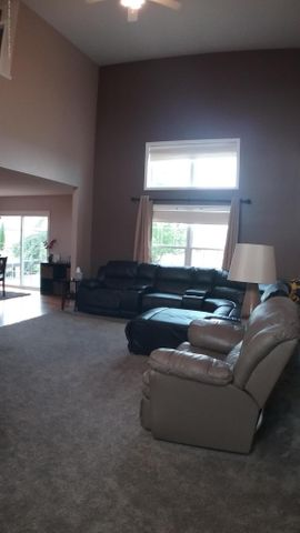 1811 Merganser Dr - M living room 5 - 8