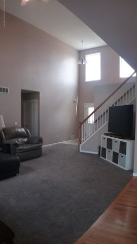 1811 Merganser Dr - M living room 7 - 5