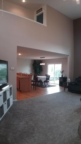 1811 Merganser Dr - M living room 3 - 7