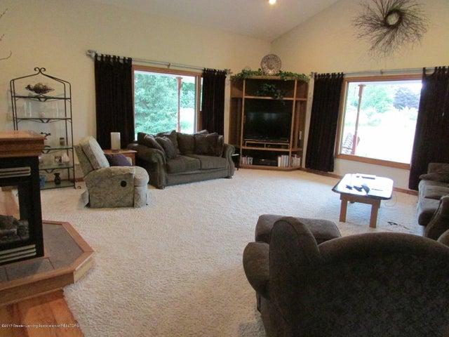 1043 N Onondaga Rd - living room - 15