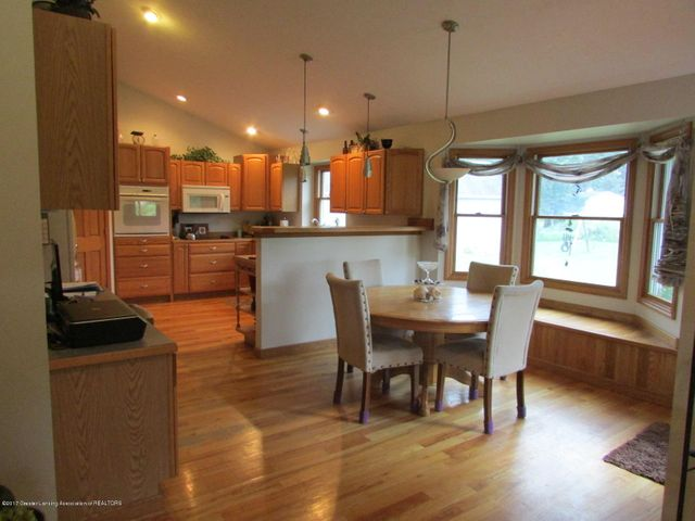 1043 N Onondaga Rd - kitchen - 17