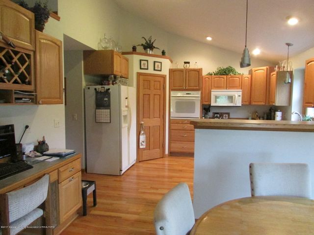 1043 N Onondaga Rd - kitchen - 18