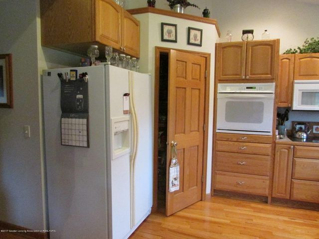 1043 N Onondaga Rd - kitchen - 20