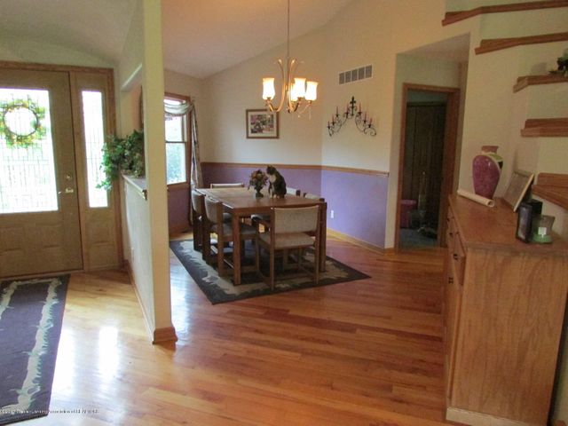 1043 N Onondaga Rd - entry & dining room - 29