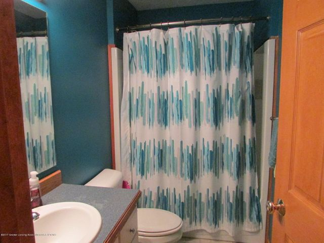 1043 N Onondaga Rd - bathroom - 45