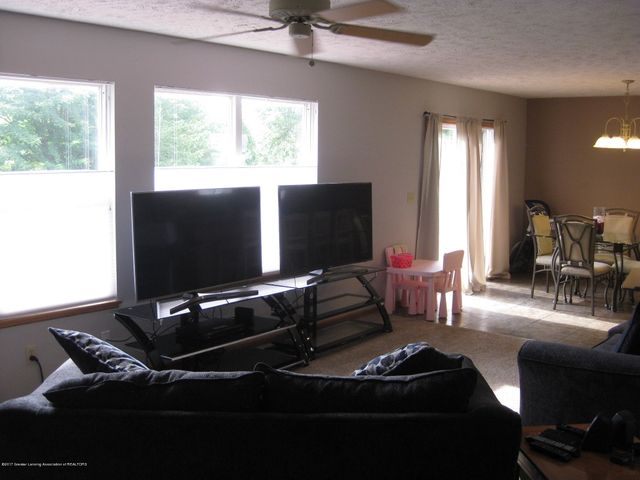 13831 Mead Creek Rd - Living Room - 6