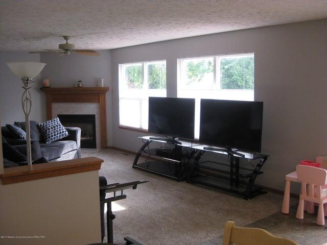13831 Mead Creek Rd - Living Room - 11