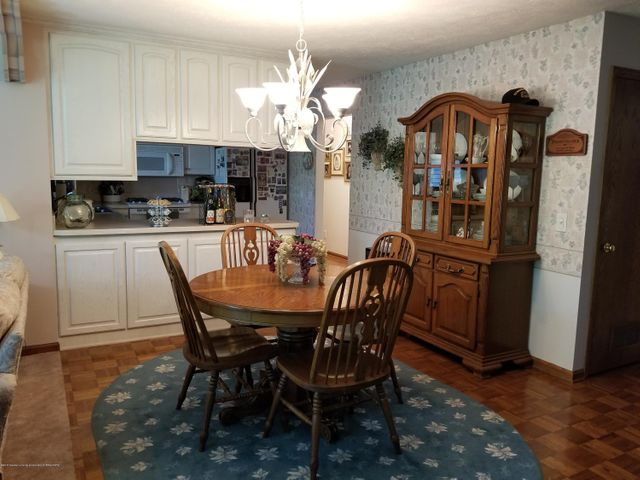 4225 Driftwood Dr - Dinning Room - 4