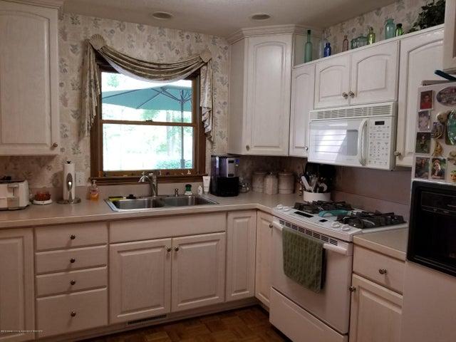 4225 Driftwood Dr - Kitchen - 3
