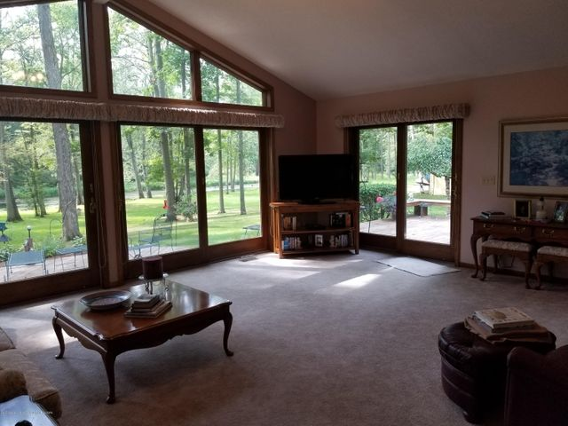 4225 Driftwood Dr - Great Room - 7