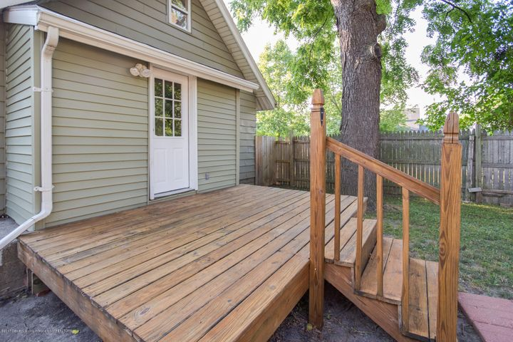 1532 Vermont Ave - Back Deck - 13