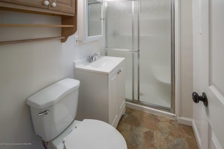 1532 Vermont Ave - Bathroom - 6
