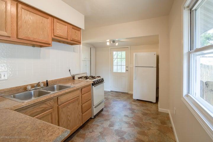 1532 Vermont Ave - Kitchen - 4
