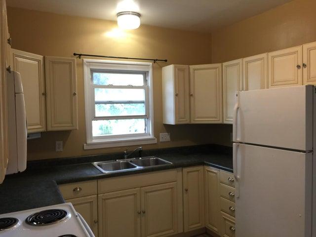 214 Woodlawn Ave - Kitchen - 10