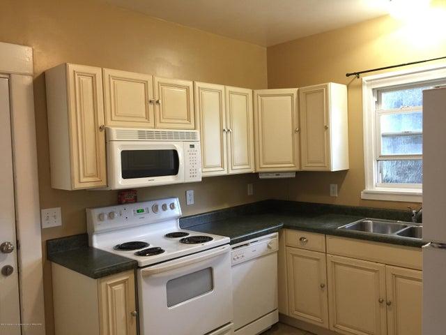 214 Woodlawn Ave - Kitchen - 11