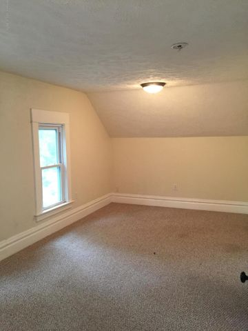 214 Woodlawn Ave - Bedroom - 13