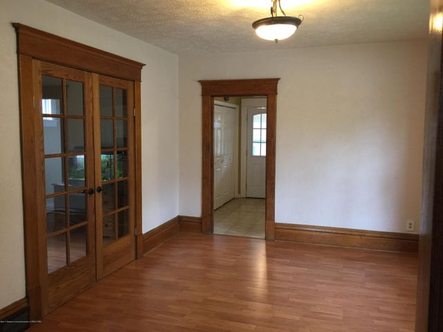 214 Woodlawn Ave - Dining Room - 8