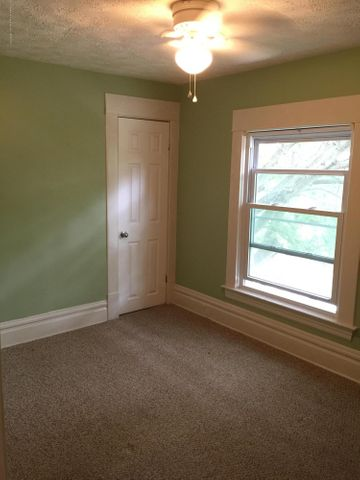 214 Woodlawn Ave - Bedroom 3 - 16