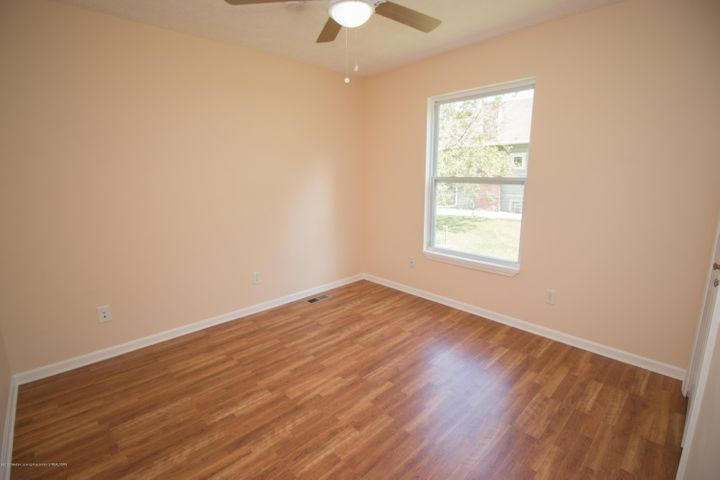1317 W Kalamazoo St - 3rd Bedroom Window - 13