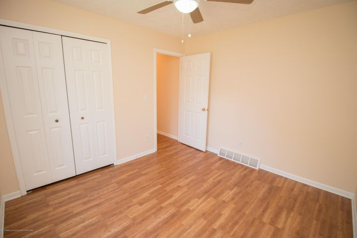 1317 W Kalamazoo St - First Floor Bedroom Closet - 9